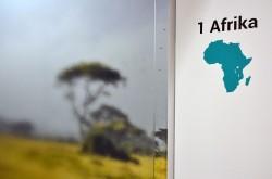 Behandlung Afrika - Zahnarztpraxis Fritz Rheinbach